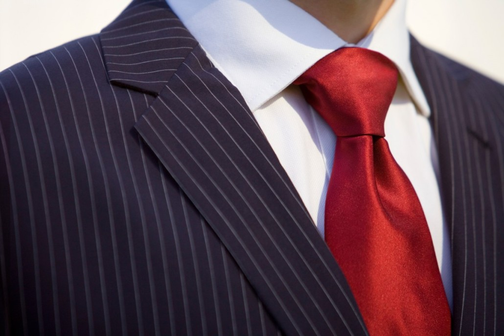 how-to-tie-a-tie-the-windsor-knot-1083096-TwoByOne